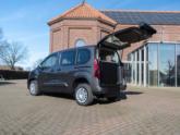Opel Combo Rolstoelauto met XXL bodemverlaging van Freedom Auto Aanpassingen