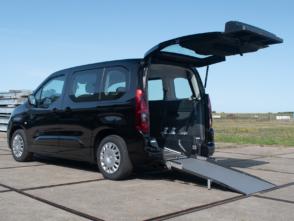 Opel Combo Rolstoelauto van Freedom Auto Aanpassingen