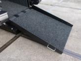 Peugeot Traveller rolstoelbus van Freedom Auto Aanpassingen oprijplaat