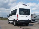 Rolstoellift voor rolstoelbus van Freedom Auto Aanpassingen achterklep dicht
