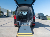 Volkswagen Caddy Rolstoelauto van Freedom Auto Aanpassingen oprijplaat omlaag
