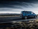 Peugeot Rifter Rolstoelauto achterkant tijdens rijden