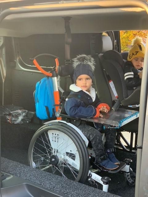 Opel Vivaro rolstoelbus met Freedom Van bodemverlaging van Freedom Auto Aanpassingen