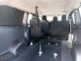 Opel Vivaro rolstoelauto van Freedom Auto Aanpassingen bodemverlaging
