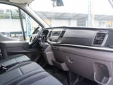 Rolstoellift voor rolstoelbus van Freedom Auto Aanpassingen dashboard